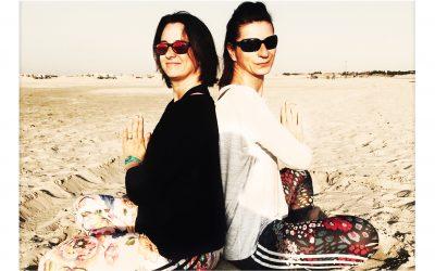 Angelika und Melanie die Yoga Mädels